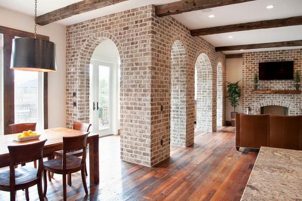 Дизайн каминов из кирпича